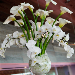 tall-white-centerpiece-floral