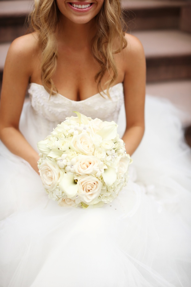 Bridal Bouquets Ivory Dresses Wedding Wednesday A Touch Of Red Beautiful Blooms