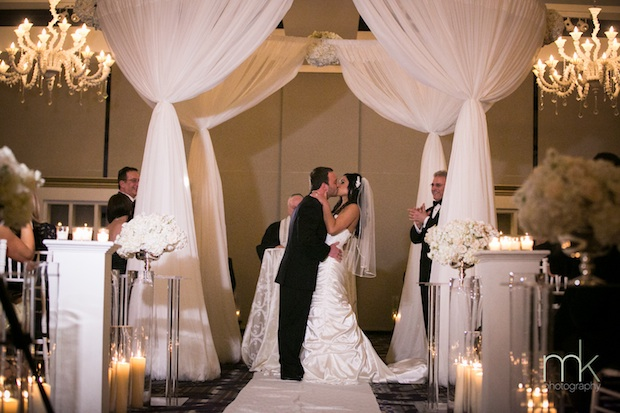 Wedding Wednesday: White, Ivory and Crystal | Beautiful Blooms