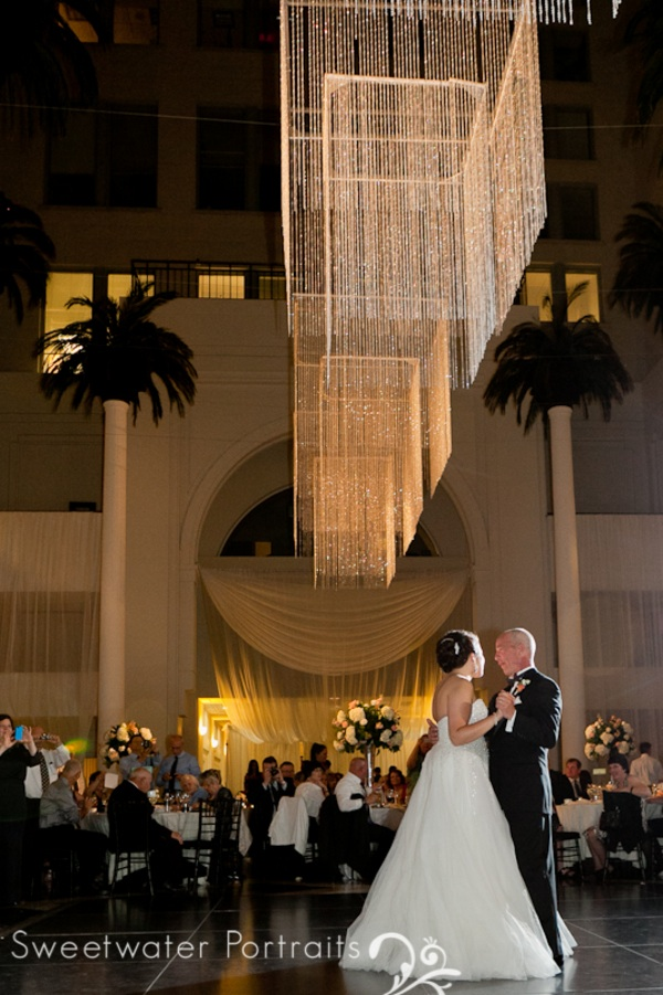 Beautiful Blooms Sweetwater Portraits Curtis Center Wedding Tall Centerpieces Amber Lighting Bride