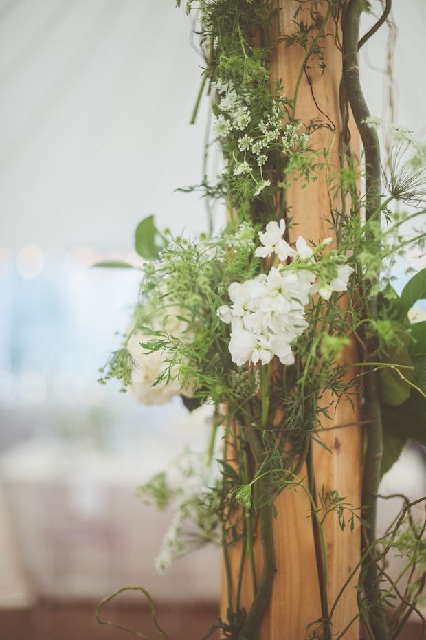 Beautiful Blooms Styled Creative Sperry Tent Saucon Valley Country Club Paper Antler Photography Floral Tent Pole Curly Willow Queen Anne's Lace Stock Hydrangea White and Green Floral