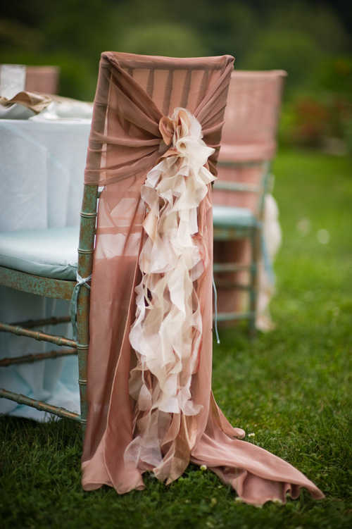 Hand Carried Chair >> Private Estate Wedding in Aqua and Latte | Beautiful Blooms